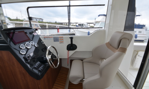 Image of Arvor 810 Pilothouse for sale in United Kingdom for £71,950 Essex Marina, United Kingdom