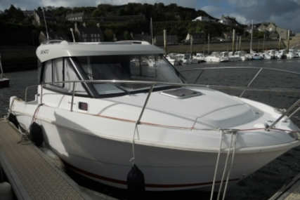 Beneteau Antares 7.80 for sale in France for €40,000 (£35,434)