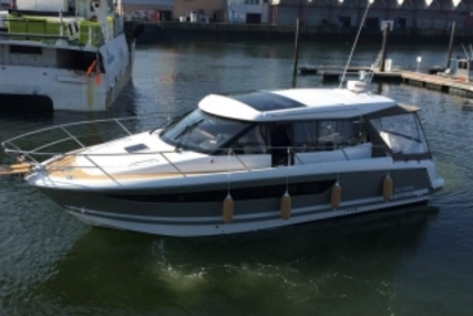 Jeanneau NC 11 for sale in France for €205,000 (£179,569)