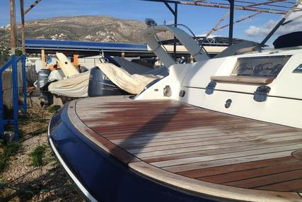 Chris-Craft Corsair 28 for sale in Greece for €75,000 (£66,908)