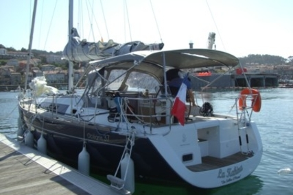 Beneteau Oceanis 37 for sale in France for €87,000 (£77,674)