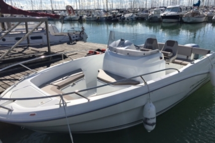 Jeanneau Cap Camarat 6.5 CC for sale in France for €31,500 (£28,150)