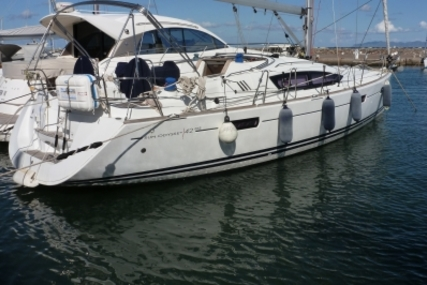 Jeanneau Sun Odyssey 42 DS for sale in France for €128,000 (£114,182)