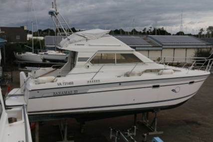 Jeanneau Bahamas 33 for sale in France for €23,000 (£20,535)