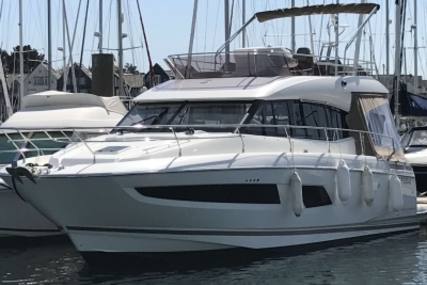 Prestige 420 for sale in France for €430,000 (£383,607)