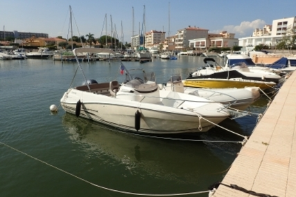 Jeanneau Cap Camarat 6.5 CS Style for sale in France for €36,500 (£32,098)