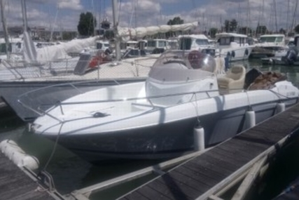Beneteau Flyer 650 Open for sale in France for €19,900 (£17,766)
