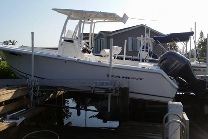 Sea Hunt Triton 225 for sale in United States of America for $52,900 (£40,024)