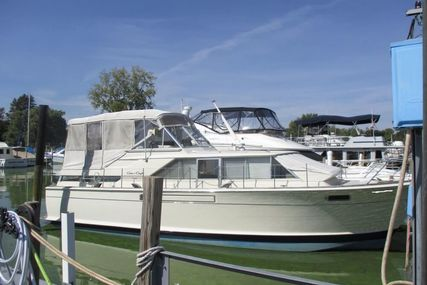Chris-Craft Commander 42 for sale in United States of America for $23,500 (£17,806)