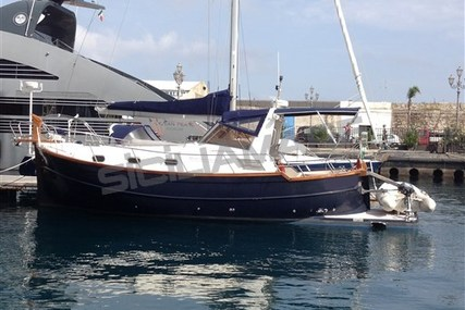 Menorquin 100 for sale in Italy for €81,000 (£71,312)