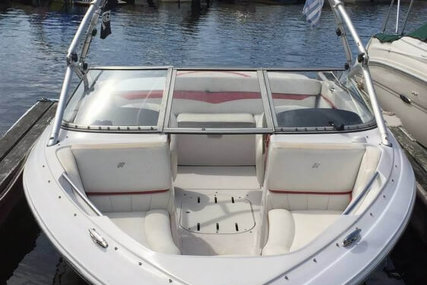 Four Winns Horizon 210 for sale in United States of America for $16,500 (£12,484)