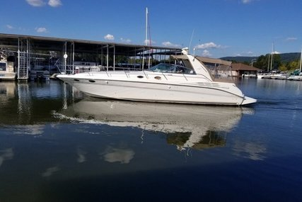 Sea Ray 400 Sundancer for sale in United States of America for $125,000 (£94,575)