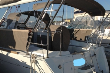 Jeanneau Sun Odyssey 33i for sale in France for €89,000 (£79,369)
