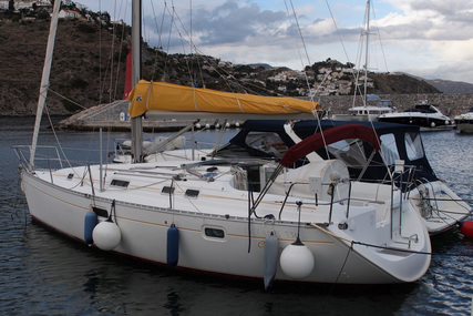 Beneteau Oceanis 351 for sale in Spain for €49,500 (£43,296)