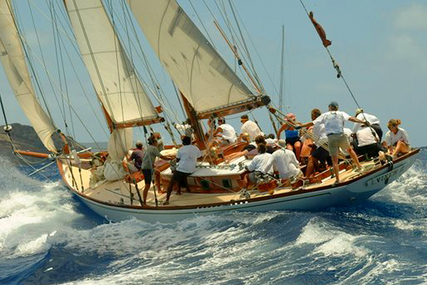 "Herreshoff NYYC40 ""Vixen II"" for sale in Spain for €348,000 (£312,640)"