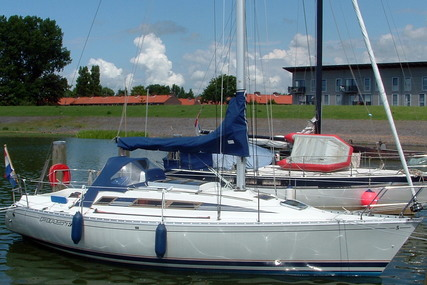 Beneteau First 305 for sale in Netherlands for €29,900 (£26,275)