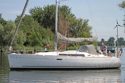 Beneteau Oceanis 37 for sale in Netherlands for €78,000 (£69,178)