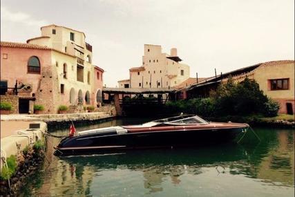 Riva Aqua 33 for sale in Switzerland for €439,000 (£387,939)