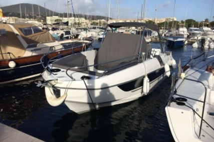 Beneteau Flyer 8.8 SpaceDeck for sale in France for €88,000 (£77,083)