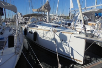 Jeanneau Sun Odyssey 349 for sale in France for €119,000 (£104,998)