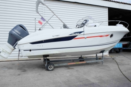 Beneteau Flyer 750 Sundeck for sale in France for €43,900 (£39,188)
