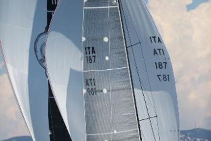 Melges 32 for sale in Italy for €90,000 (£80,430)