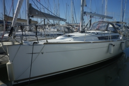 Jeanneau Sun Odyssey 379 for sale in France for €129,000 (£114,096)