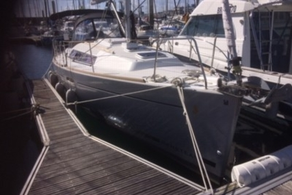 Beneteau Oceanis 31 Lifting Keel for sale in France for €79,900 (£70,333)