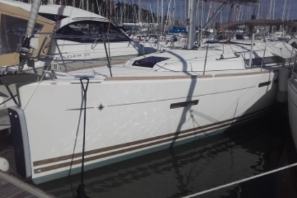 Jeanneau Sun Odyssey 409 Performance for sale in France for €159,000 (£141,835)
