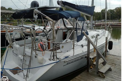 Beneteau Oceanis 393 for sale in Canada for $133,400 (£96,125)