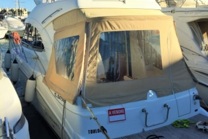 Beneteau Antares 32 for sale in France for €124,000 (£110,581)