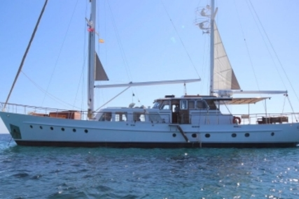 VAN DEN AKKER 2745 for sale in Spain for €895,000 (£785,487)