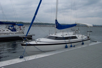 Macgregor 26X for sale in Canada for $16,500 (£11,905)