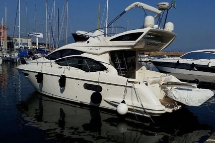 Azimut 38 Flybridge for sale in France for €350,000 (£312,782)