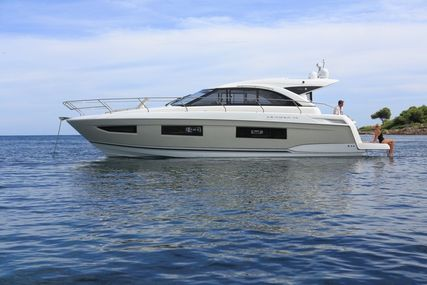 Jeanneau Leader 40 for sale in France for €240,000 (£216,540)