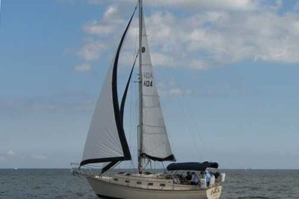 Island Packet 32 for sale in United States of America for $84,500 (£63,687)