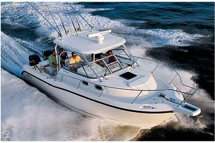 Boston Whaler 305 Conquest for sale in France for €89,000 (£78,209)