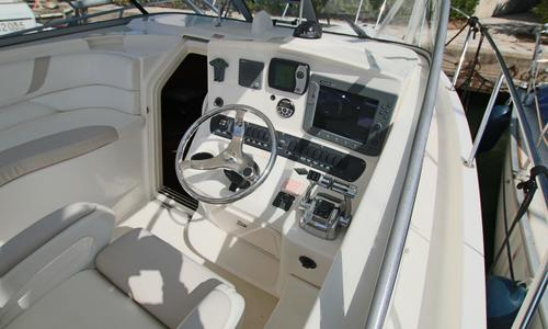 Image of Boston Whaler 305 Conquest for sale in France for €89,000 (£79,175) Grimaud, , France