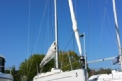 Beneteau First 27.7 for sale in France for €35,000 (£31,248)