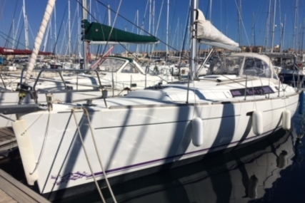 Beneteau Oceanis 37 for sale in France for €94,000 (£84,244)