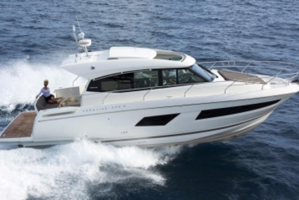 Prestige 420 S for sale in France for €449,000 (£397,863)