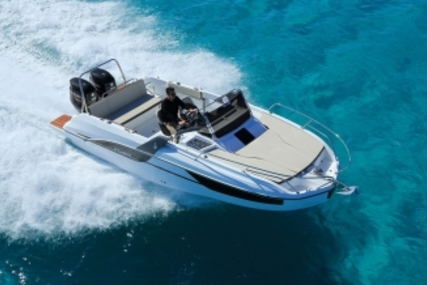 Beneteau Flyer 7.7 SUNdeck for sale in France for €70,000 (£62,448)