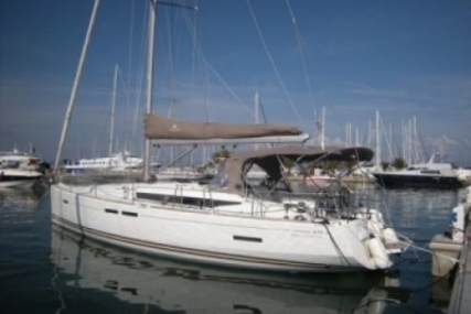 Jeanneau Sun Odyssey 439 for sale in France for €160,000 (£141,777)