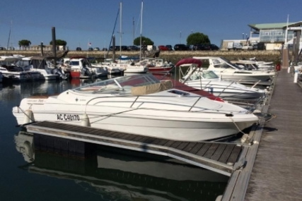 Jeanneau Leader 705 for sale in France for €15,000 (£13,267)