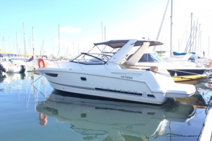 Jeanneau Leader 8 for sale in France for €98,000 (£87,130)