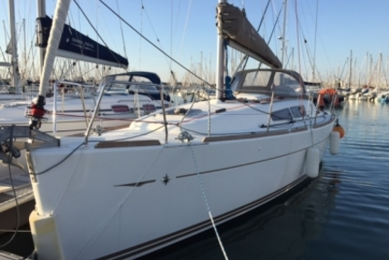 Jeanneau Sun Odyssey 33i for sale in France for €79,000 (£69,232)