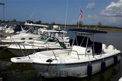 Boston Whaler 26 Outrage for sale in Italy for €48,000 (£42,332)