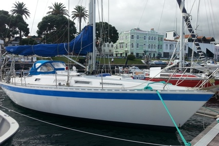 Centurion 36 for sale in Portugal for €44,500 (£39,132)