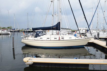 Island Packet 380 for sale in Netherlands for €125,000 (£108,530)
