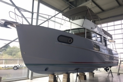 Beneteau Swift Trawler 44 for sale in France for €390,000 (£345,582)